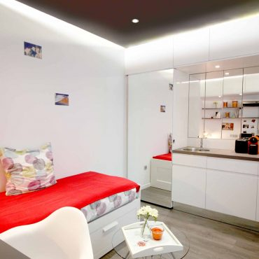 architecture interieur architecte intérieur decoration décorateur rouge blanc cuisine équipée douche lit mobilier sur-mesure